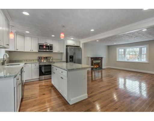 独户住宅 为 销售 在 153 Lynn Fells Parkway Saugus, 马萨诸塞州 01906 美国