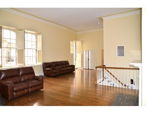 Additional photo for property listing at 70 Mount Vernon Street  Boston, Massachusetts 02108 Estados Unidos