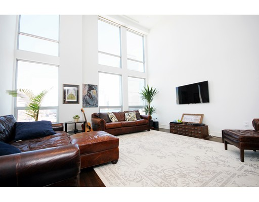 360 Newbury St Lease, #PH807