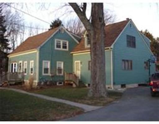 Maison unifamiliale pour l Vente à 267 North Street Bridgewater, Massachusetts 02324 États-Unis