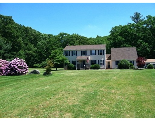 独户住宅 为 销售 在 96 Millbury Avenue Millbury, 01527 美国