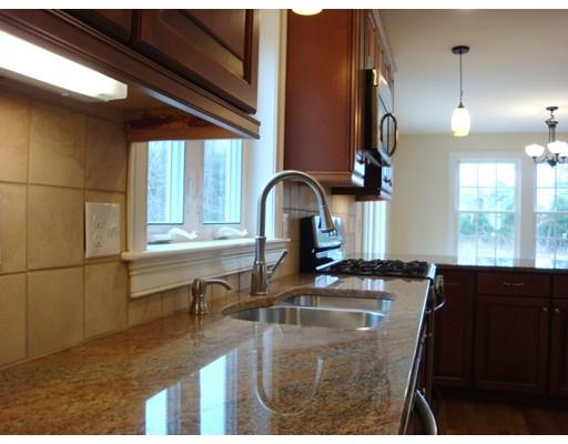 独户住宅 为 销售 在 27 Elm Street 普林普顿, 马萨诸塞州 02367 美国