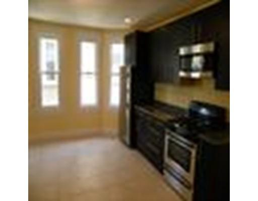 Casa Unifamiliar por un Alquiler en 3147 Washington Street Boston, Massachusetts 02130 Estados Unidos