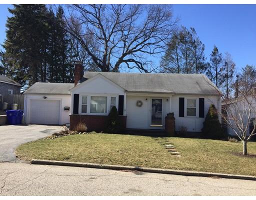 Частный односемейный дом для того Продажа на 51 Hatherly North Providence, Род-Айленд 02911 Соединенные Штаты
