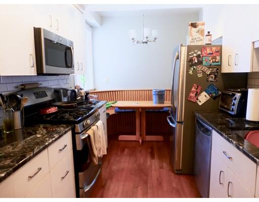 Casa Unifamiliar por un Alquiler en 1038 Beacon Street Brookline, Massachusetts 02446 Estados Unidos