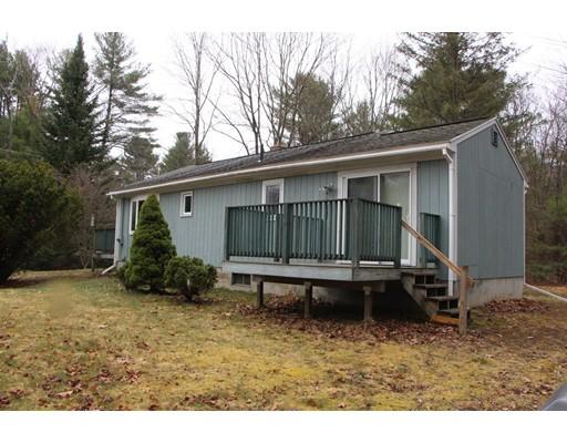 Casa Unifamiliar por un Venta en 61 Briggs Rd W Petersham, Massachusetts 01366 Estados Unidos