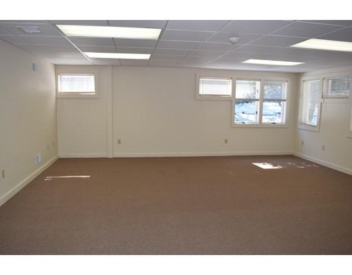 Commercial للـ Rent في 109 Fairhaven Road 109 Fairhaven Road Mattapoisett, Massachusetts 02739 United States