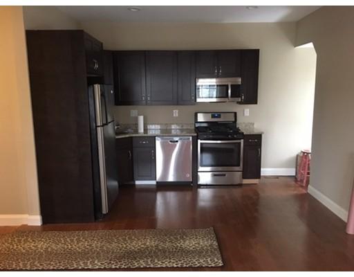 独户住宅 为 出租 在 3 Swan Court 波士顿, 马萨诸塞州 02124 美国