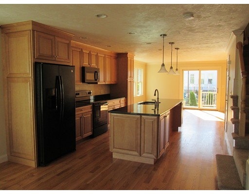 Additional photo for property listing at 74 Westminster  Watertown, Massachusetts 02472 Estados Unidos