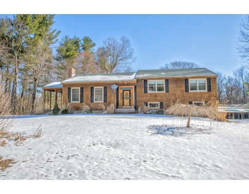 Single Family Home for Sale at 192 School House Road Tolland, Massachusetts 01034 United States