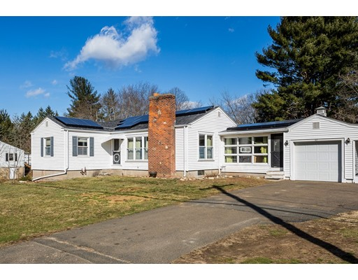 62 West St, Granby, MA 01033