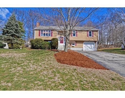 Maison unifamiliale pour l Vente à 10 TAMMIE ROAD Hopedale, Massachusetts 01747 États-Unis