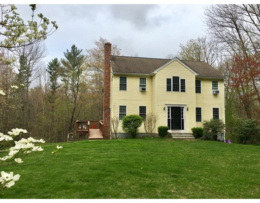 Casa Unifamiliar por un Venta en 175 Hunt Road Oakham, Massachusetts 01068 Estados Unidos