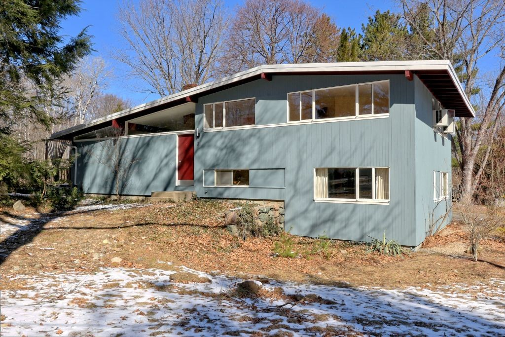 3 cameron rd wayland ma 01778 the tom joanne team for Contemporary homes for sale in ma