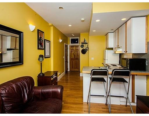Casa Unifamiliar por un Alquiler en 33 Irving Street Boston, Massachusetts 02114 Estados Unidos