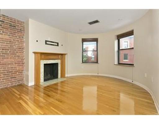 独户住宅 为 出租 在 96 Gaisborough 波士顿, 马萨诸塞州 02115 美国