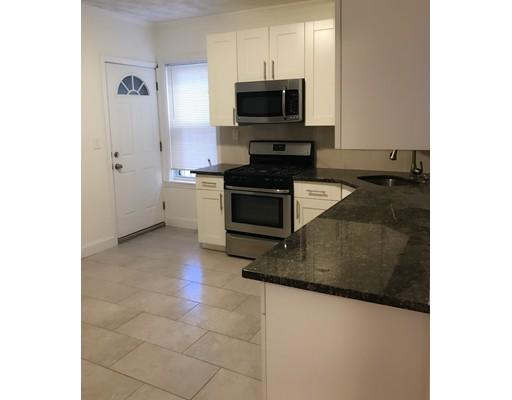 独户住宅 为 出租 在 78 Romsey Street 波士顿, 马萨诸塞州 02125 美国