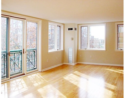 Additional photo for property listing at 10 Rogers  Cambridge, Massachusetts 02142 Estados Unidos