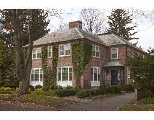 Casa Unifamiliar por un Venta en 151 Coolidge Hill Road Cambridge, Massachusetts 02138 Estados Unidos