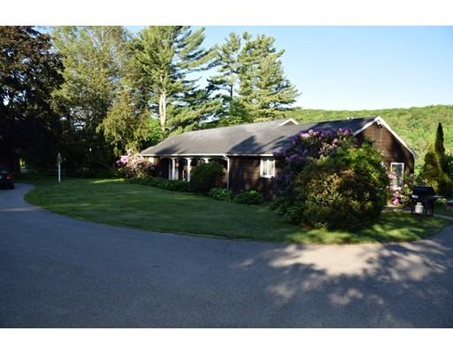 独户住宅 为 出租 在 23 Library Lane South Sturbridge, 马萨诸塞州 01566 美国