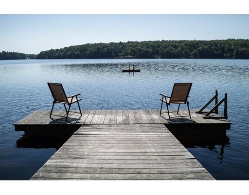 独户住宅 为 销售 在 543 North Trail 543 North Trail Tolland, 马萨诸塞州 01034 美国