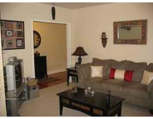 Casa Unifamiliar por un Alquiler en 244 Kelton Street Boston, Massachusetts 02134 Estados Unidos