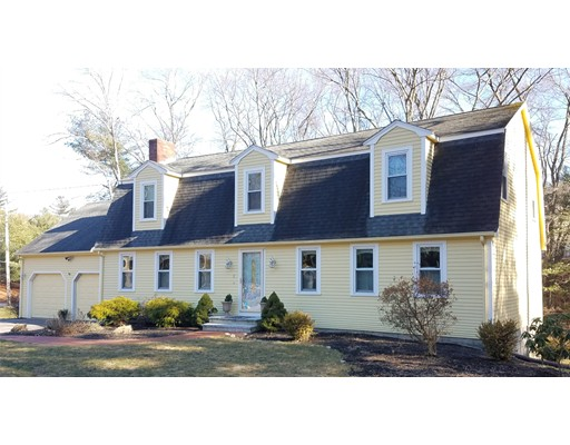 Single Family Home for Sale at 1 Sparrow Road Norfolk, Massachusetts 02056 United States