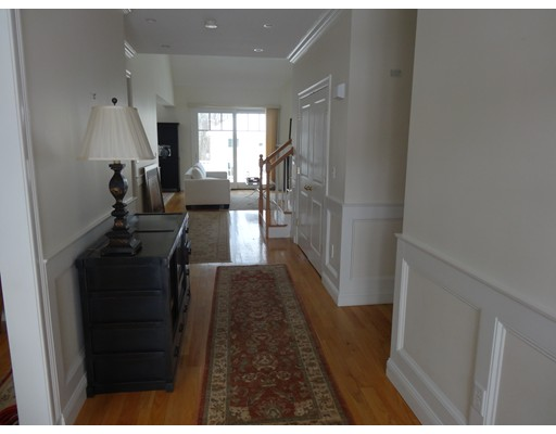 Condominio por un Venta en 5 Courtyard Place Reading, Massachusetts 01867 Estados Unidos