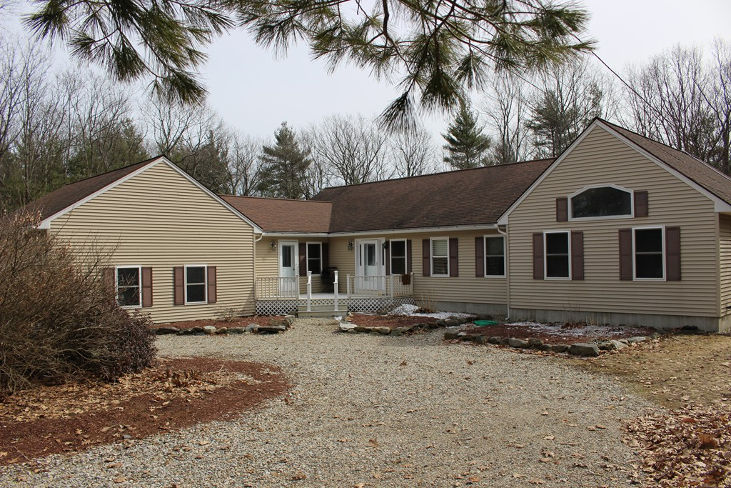 Property for sale at 335 Cobb Hill Rd, Athol,  MA 01331