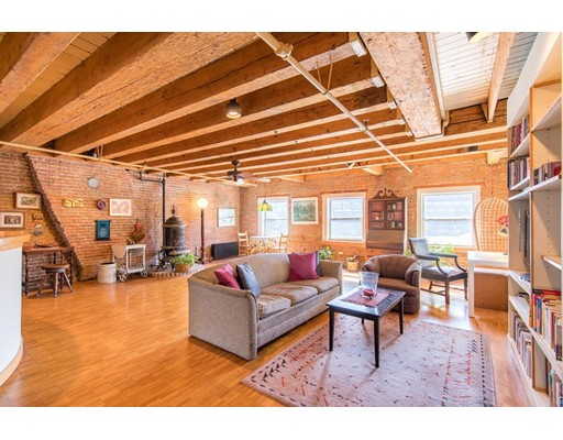 39 Commercial Wharf 6, Boston, MA 02110