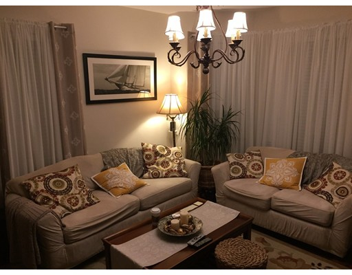 Additional photo for property listing at 106 Buttonwood  Boston, Massachusetts 02125 United States