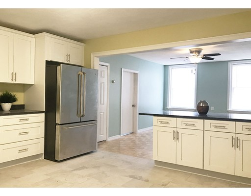 Additional photo for property listing at 131 Orleans Street  Boston, Massachusetts 02128 Estados Unidos