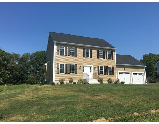Частный односемейный дом для того Продажа на 11 Sycamore Blackstone, Массачусетс 01504 Соединенные Штаты