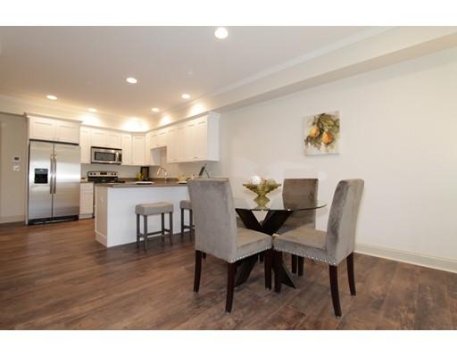 Additional photo for property listing at 724 Washington Street  Stoughton, Massachusetts 02072 Estados Unidos
