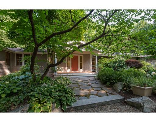 Maison unifamiliale pour l Vente à 27 Norfolk Avenue Northampton, Massachusetts 01060 États-Unis