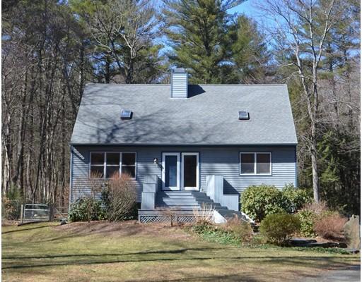 Maison unifamiliale pour l Vente à 17 GULF ROAD Pelham, Massachusetts 01002 États-Unis