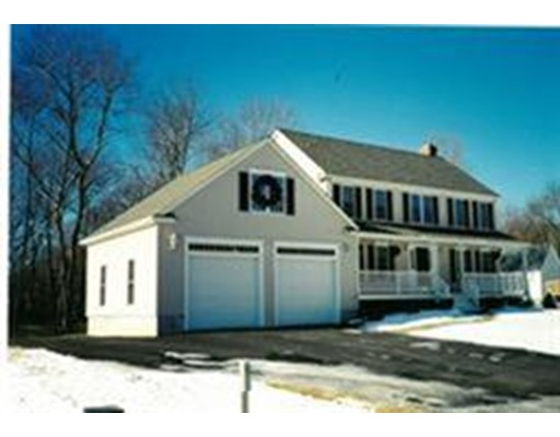 Nhà ở một gia đình vì Bán tại 37 CYNTHIA ROAD Abington, Massachusetts 02351 Hoa Kỳ