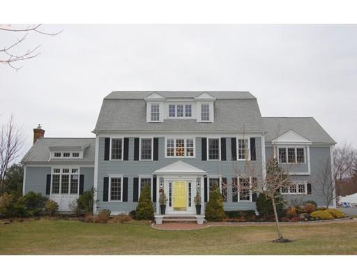 独户住宅 为 销售 在 94 Pokanoket Lane 马什菲尔德, 02050 美国