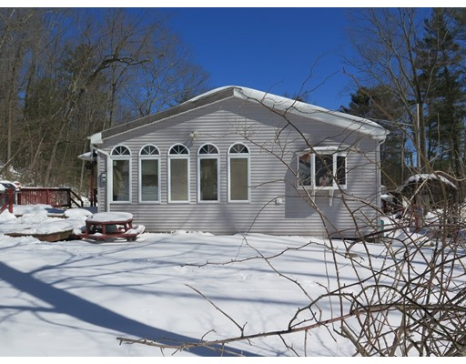 Casa Unifamiliar por un Venta en 3 Chaffee Road Holland, Massachusetts 01521 Estados Unidos