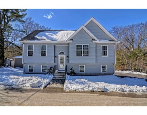 Single Family Home for Sale at 2 Bearskin Farm Road North Smithfield, Rhode Island 02896 United States