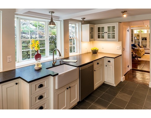 65 Washington St, Marblehead, MA 01945