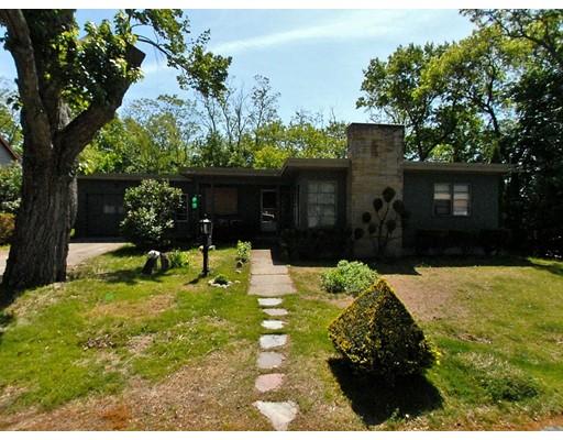 Частный односемейный дом для того Продажа на 4 Golden Blvd North Smithfield, Род-Айленд 02896 Соединенные Штаты