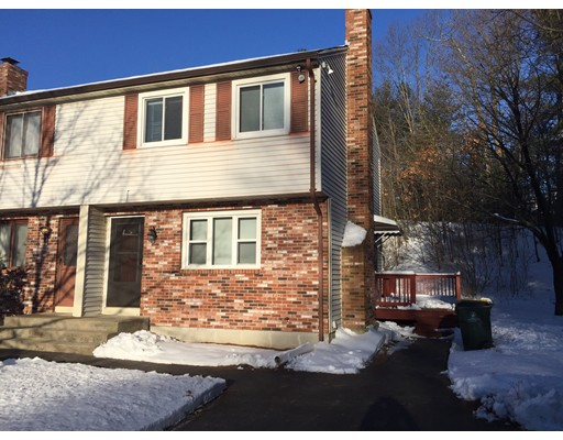 Casa Unifamiliar por un Alquiler en 17 Carol Drive Franklin, Massachusetts 02038 Estados Unidos