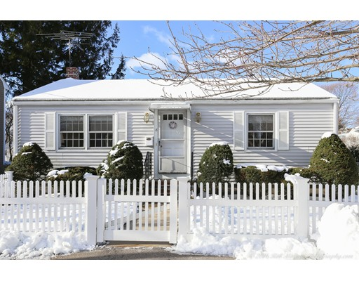 Single Family Home for Sale at 8 Curtis Street Marblehead, Massachusetts 01945 United States