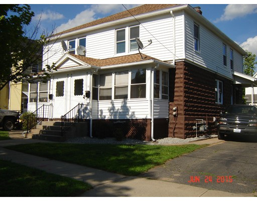 Casa Unifamiliar por un Alquiler en 34 Essex Ludlow, Massachusetts 01056 Estados Unidos