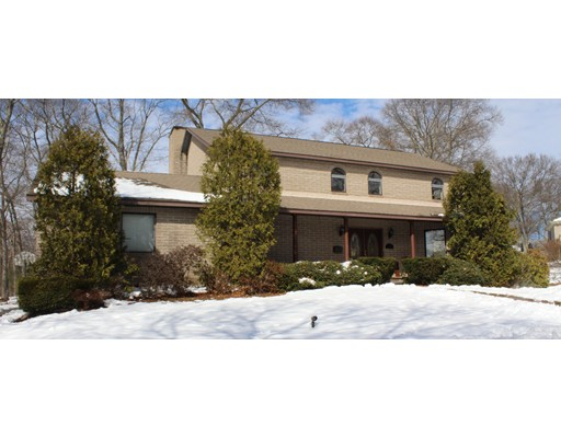 Single Family Home for Sale at 36 Buckingham Road Norwood, Massachusetts 02062 United States