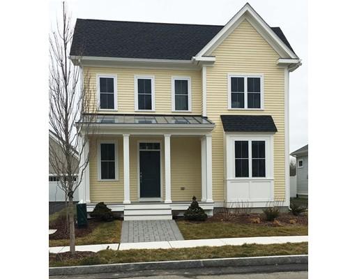 独户住宅 为 销售 在 8 Snow Bird Avenue 韦茅斯, 02190 美国