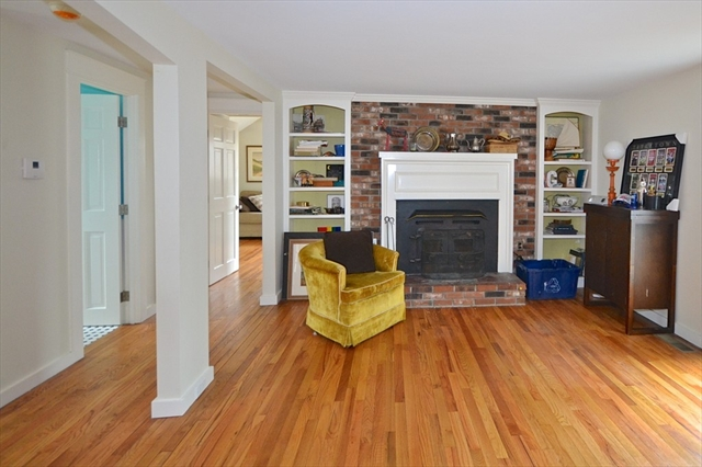 Photo #5 of Listing 8 Stone Ave