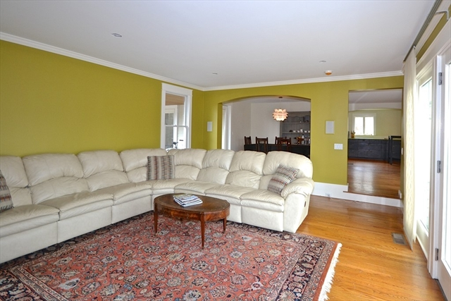 Photo #7 of Listing 8 Stone Ave