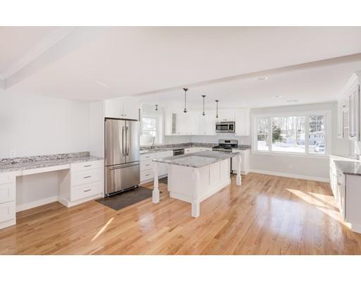 Maison unifamiliale pour l Vente à 62 Woodside Avenue Braintree, Massachusetts 02184 États-Unis